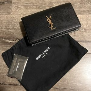 🖤 Authentic YSL Grain De Poudre Monogram Clutch